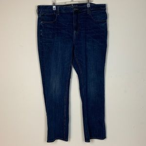 American Eagle- Relaxed Straight Leg Jeans size 42
